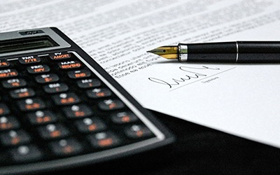 International Contracts course in english